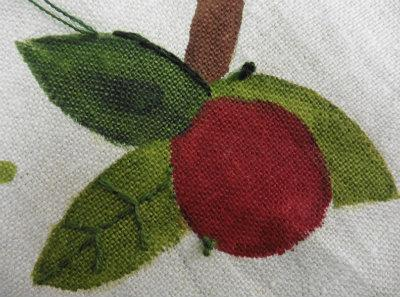 Detail of chain stitch around the Jesse Tree